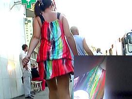podglyadivanie-pod-yubkami-v-metro-video
