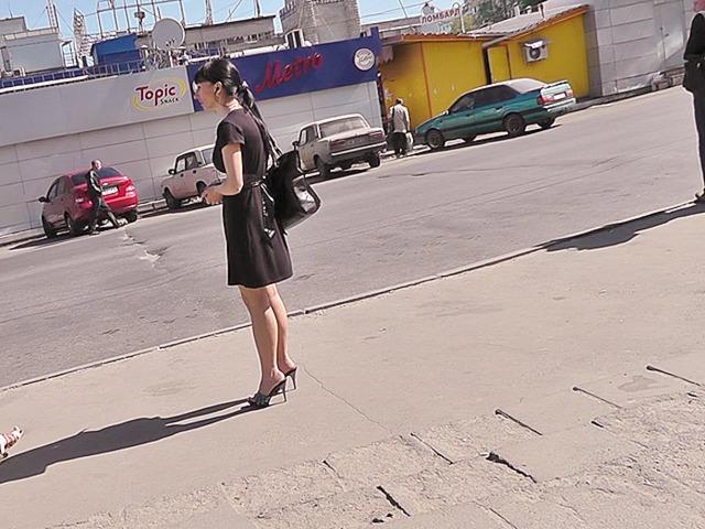Upskirt street milf a